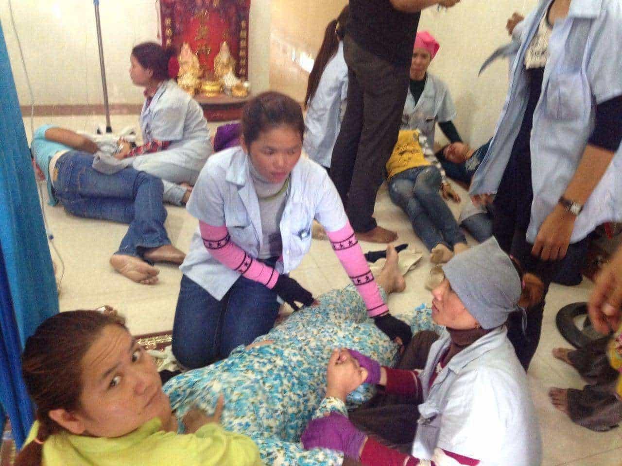 Den 24. februar besvimede 40 syersker på Bestsellers fabrik. Syerskerne bliver behandlet med saltvandsdrop, der skal genetablere deres væskebalance