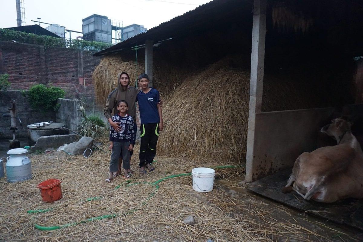 Sagar Kadariya er bekymret for, hvordan soden fra bryggeriets skorstene påvirker ham selv og hans familie.
