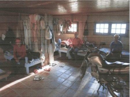Det er imidlertid ikke første gang, at krydsfiner-producenten med tætte bånd til Danmark er blevet sat i forbindelse med moderne slaveri.   I 2010 blev 11 personer reddet under en inspektion af arbejdsministeriet. Denne gang var det krydsfiner-producentens egen plantage, og ikke en underleverandør, som blev fanget. For at undgå en retssag indgik Guararapes en aftale med Arbejdsadvokatens Kontor (MPT) om at forbedre arbejdsforholdene.    Foto: 2010