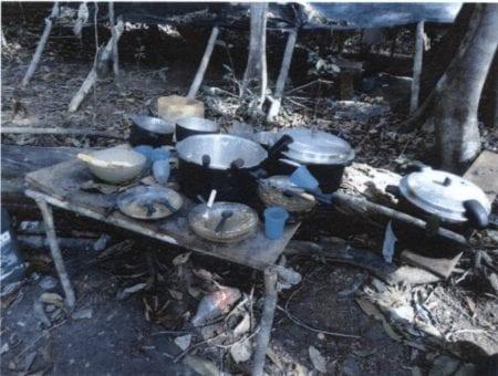 Under de høje temperaturer på omkring 30 grader var det ikke muligt at opbevare maden hygiejnisk, da der ikke var køleskab.