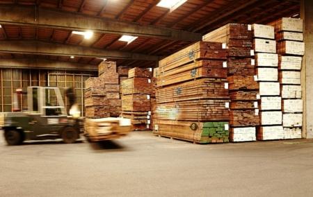Den danske importør Global Timber køber træ fra to eksportører, der har købt træ fra dette savværk.  Global Timbers træ kan købes i byggemarkederne Johannes Fog, Optimera og Davidsens Tømmerhandel.  Global Timber oplyser til Danwatch, at de kan dokumentere og garantere, at deres terrassebrædder ikke kommer fra det kritiserede savværk, men afviser at fremlægge dokumentation for påstanden.
