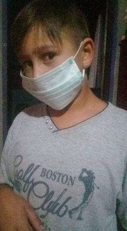 Laureano Alvarez, en af eleverne på Carlos Sourigues-skolen, måtte på hospitalet og have ekstra ilt, fordi han fik luftvejsproblemer den 16. marts 2018.