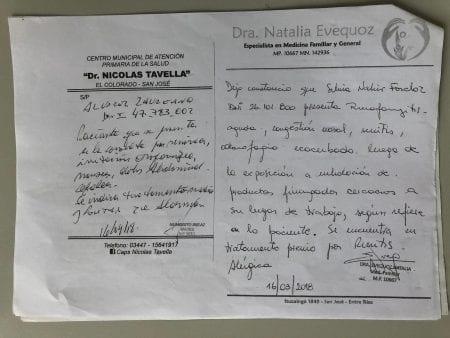 Lægejournalen for Laureano Alvarez (tekst til venstre) fortæller også, at han fik kvalme, mavesmerter og hovedpine.