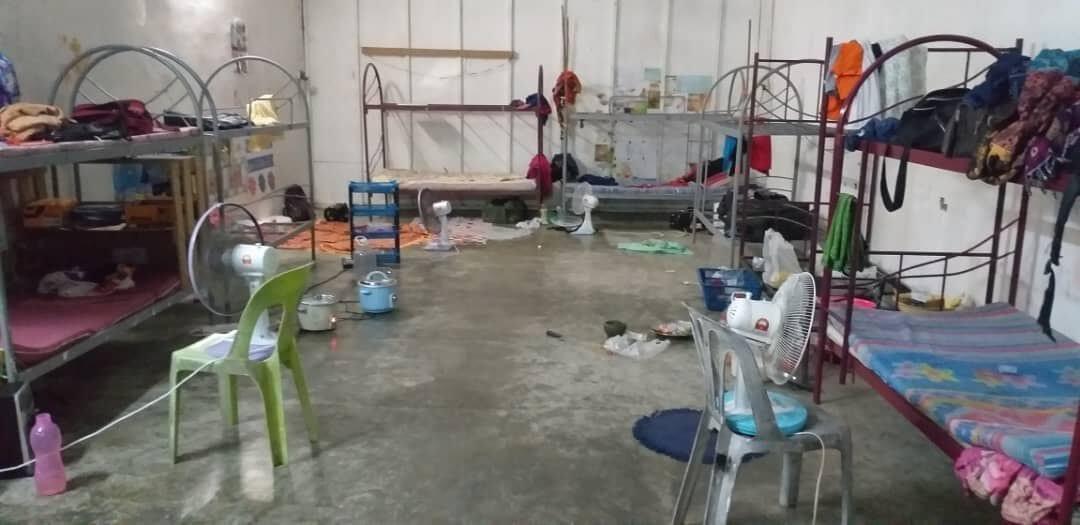 Mctronic-ansatte har taget billeder inde fra det hostel, som fabrikken indlogerede dem på. Ifølge Alina boede de som regel 10-20 mennesker i samme rum.