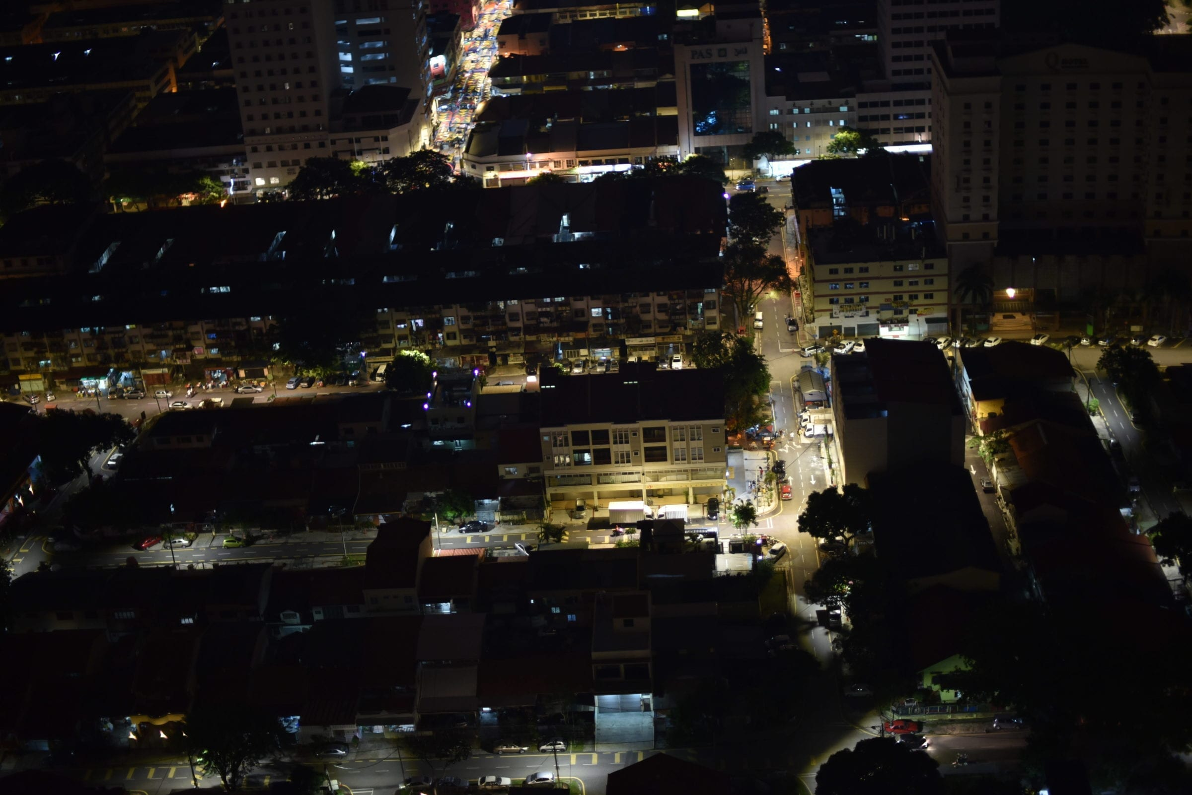 Kuala Lumpur set fra én af byens mange skyskrabere.