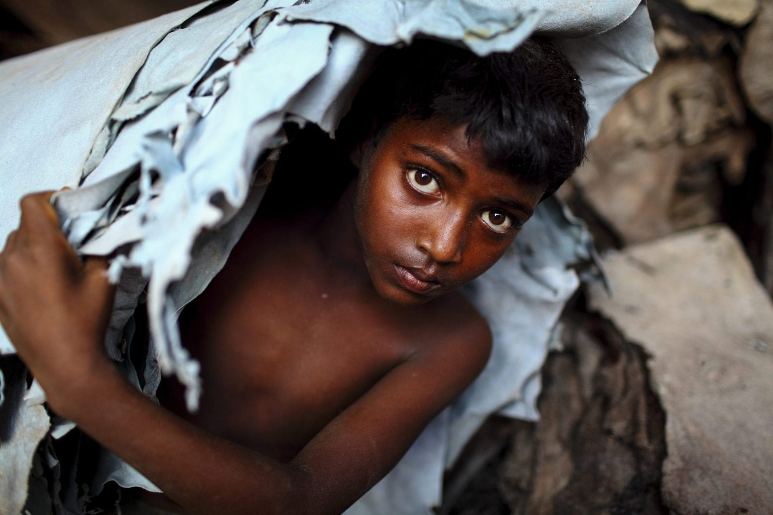 Læderindustriens dårlige ry har gennem årene tiltrukket opmærksomhed fra miljø- og menneskerettighedsorganisationer, heriblandt Human Rights Watch og den hollandske virksomhedsvagthund SOMO. Begge har udgivet rapporter, der bl.a. dokumenterer børnearbejde i garverierne i Hazaribagh. Foto: GMB Akash