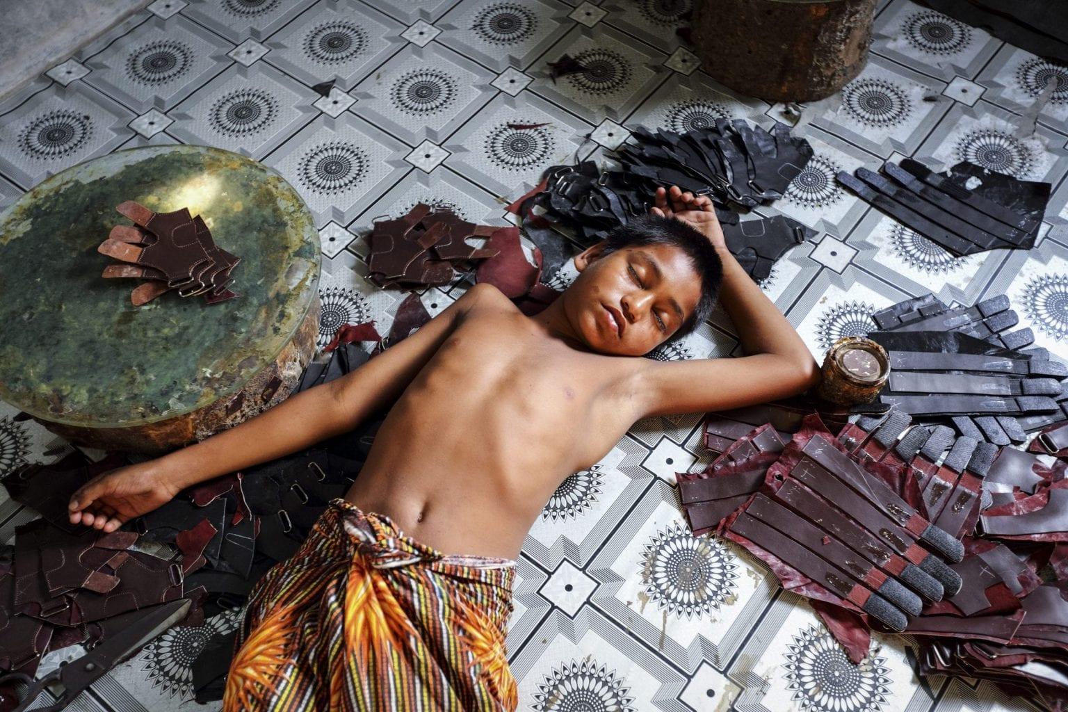 Dreng på 10 i en fabrik i Hazaribagh. Foto: GMB Akash