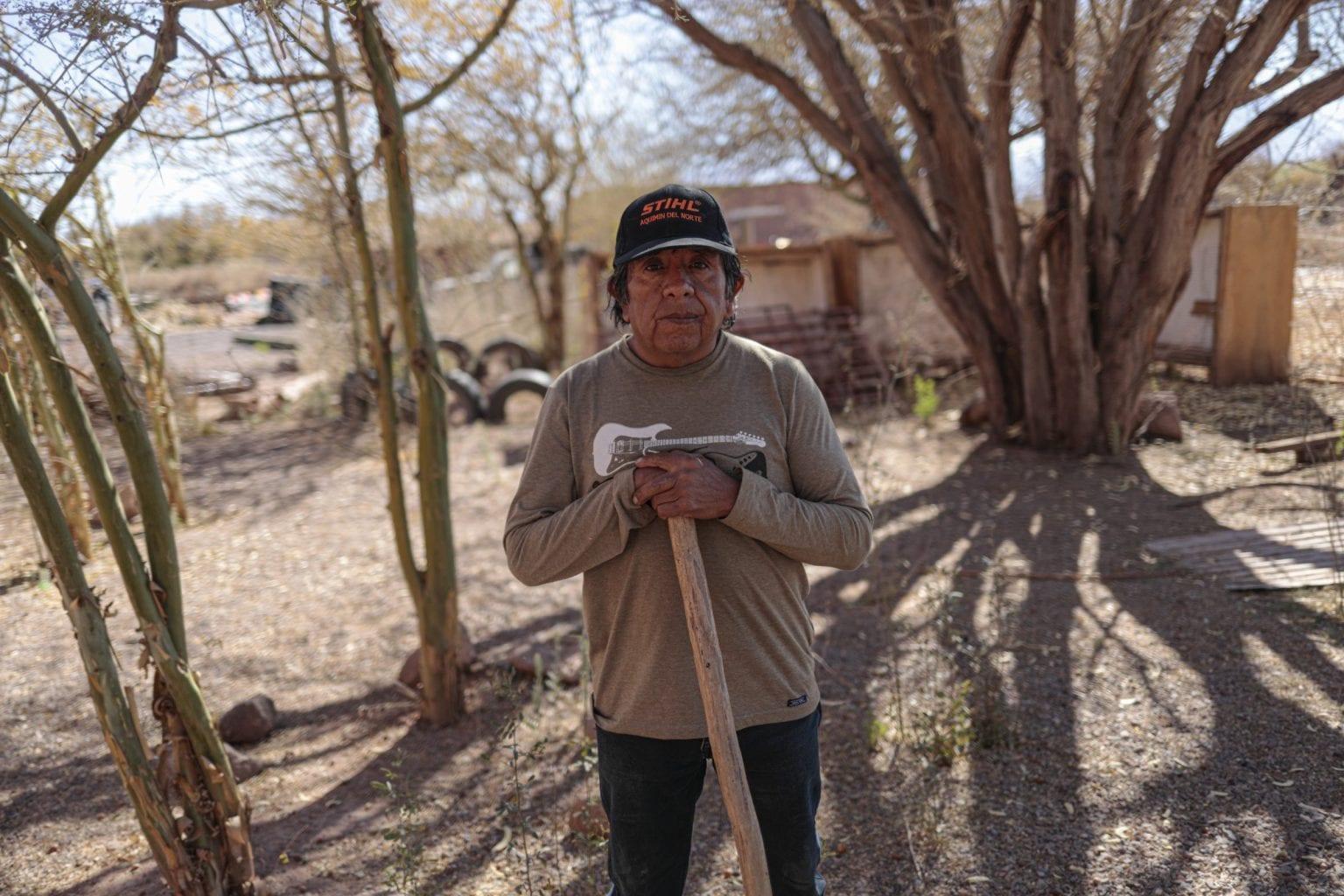 """Ifølge Vladimir Jorge Reyes fra landsbyen Coyo rejser familier fra området på grund af vandmanglen. """"Vi er ikke imod fremskridt"""", siger han. """"Vi mener bare, at selskaberne bør udnytte ressourcerne - vores ressourcer - på en mere skånsom måde"""""""