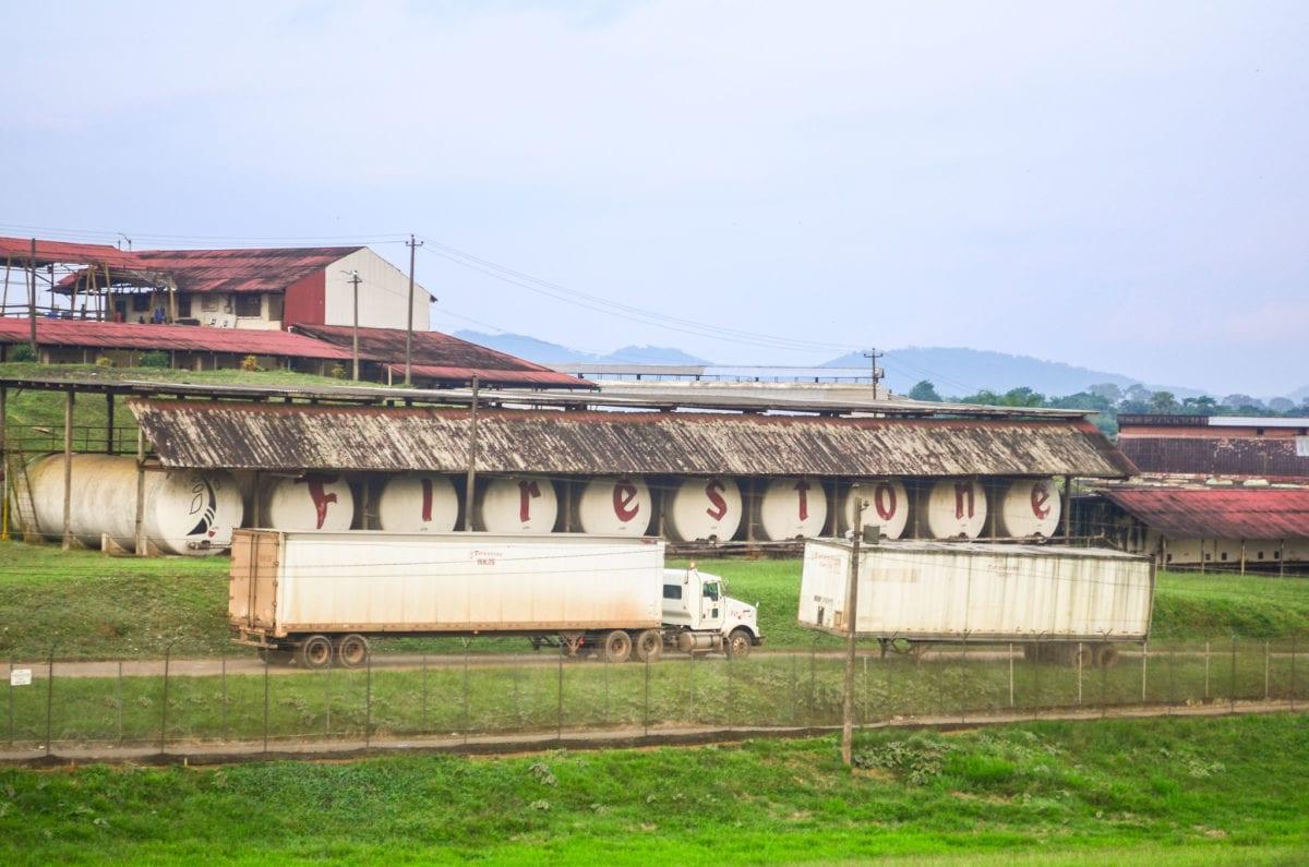 Gummi står for 65 procent af Liberias eksportvarer og Firestone er den eneste store forhandler i landet. Foto: Jbdodane, Flickr