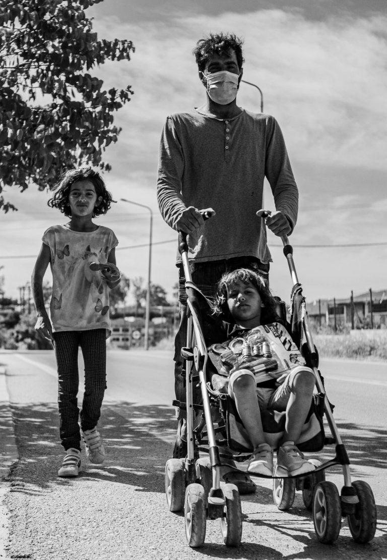 Abdullah Musa og hans døtre. Foto: Mikkel Rönnau.