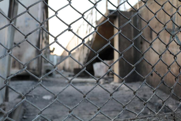 Den nedbrændte Moria-lejr. Foto: Florian Elabdi.
