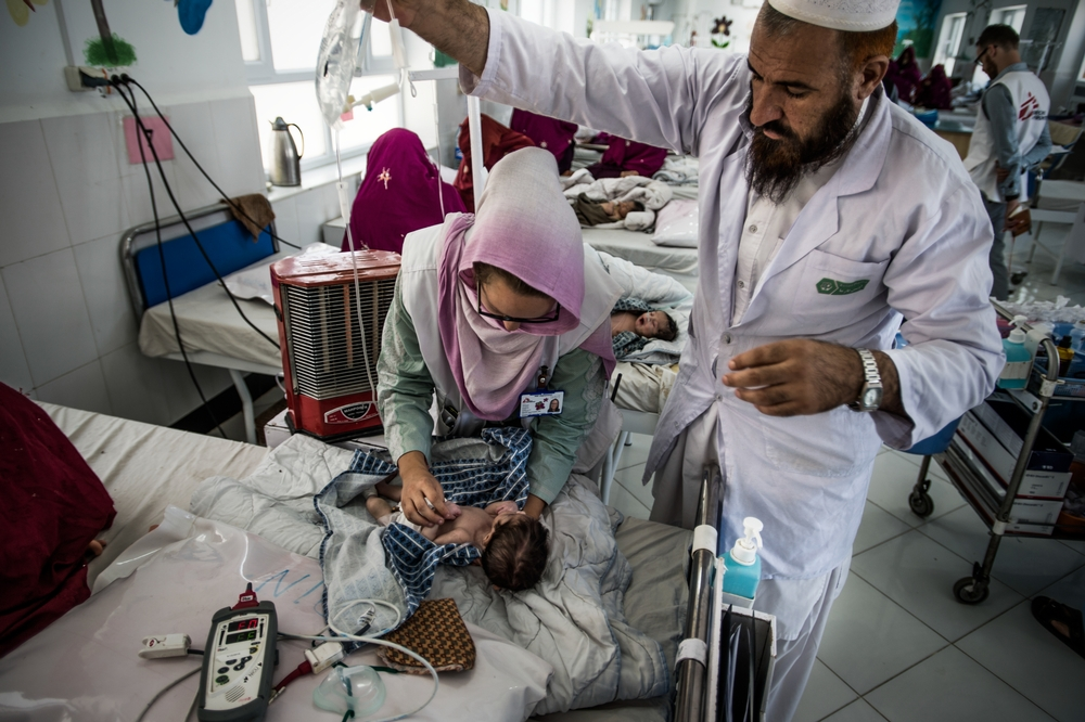 MSF nurse, Samantha Hardeman, at the neonatal intensive care. Boost hospital is run by MSF in partnership with the Ministry of Public Health. It is one of the biggest MSF runs worldwide: 300 beds, 700 national staff, 25 international staff. Photo: Kadir van Lohuizen / NOOR Lashkar Gah, Helmand, Afghanistan