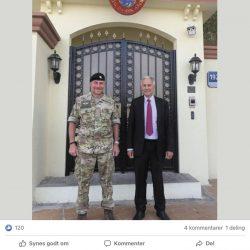 """Da Danmarks nye forsvarsattache i Emiraterne blev annonceret på den danske ambassades Facebook-side, kom to ud af fire kommentarer til opslaget fra Systematic-ansatte i Emiraterne, som bød ham velkommen i venskabelig tone.  """"Varmt☀️velkommen til UAE. Som i enhver anden mission skal der arbejdes fra dag 1 ....🙂"""", lød det blandt andet fra en nuværende ansat i Systematic i Emiraterne og tidligere officer i Forsvaret."""